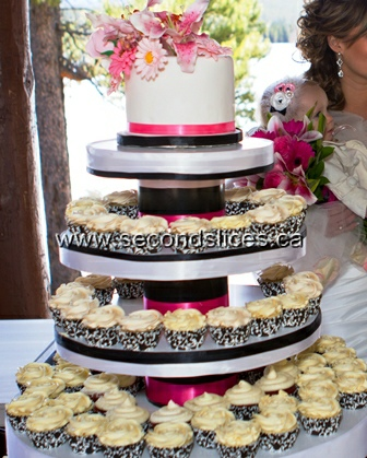 wedding cakes and cupcakes edmonton wedding cupcakes 23789